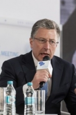 Volker changes position on Russian observers in Ukraine's elections