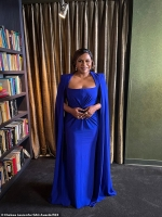 Mindy Kaling dazzles in cobalt-blue Alex Perry gown to present at 27th Annual SAG Awards