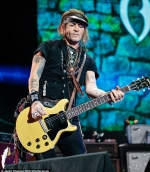 Johnny Depp looks fitter and healthier as he rocks out with the Hollywood Vampires in the UK...