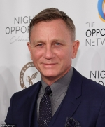 Daniel Craig reveals he's become a master of binge drinking in a bid