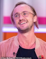 Harry Potter star Tom Felton divides fans with drastically different appearance