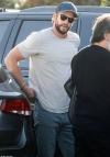 Liam Hemsworth rocks a casual T-shirt as he enjoys shopping outing