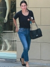 Courteney Cox shows off flawless complexion in casual